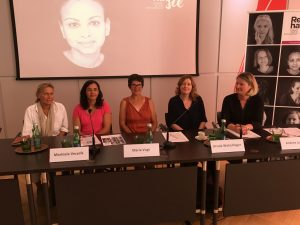 Podium von links nach rechts: Nicola Werdenigg, Marinela Vecerik, Maria Vogt, Ursula Wolschlager, Andrea Ludwig