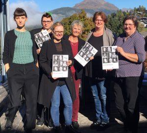 Auf dem Bild sind Mitglieder des Lungauer Frauennetzwerkes und Theresa Hammer vom Klagsverband bei #rechtehatsie on Tour zu sehen.