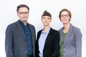 Auf diesem Bild sind von links nach rechts zu sehen: Volker Frey, Theresa Hammer und Daniela Almer.